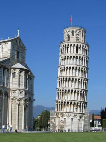 Photograph of the Leaning Tower of Pisa